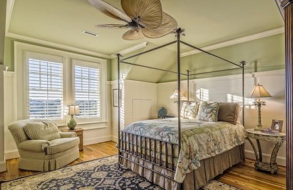 bedroom-389254_960_720