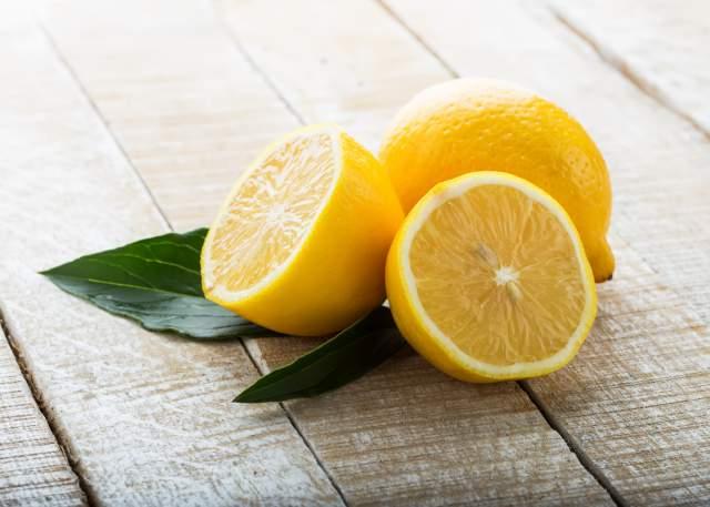 10 Beauty Uses Of Lemon