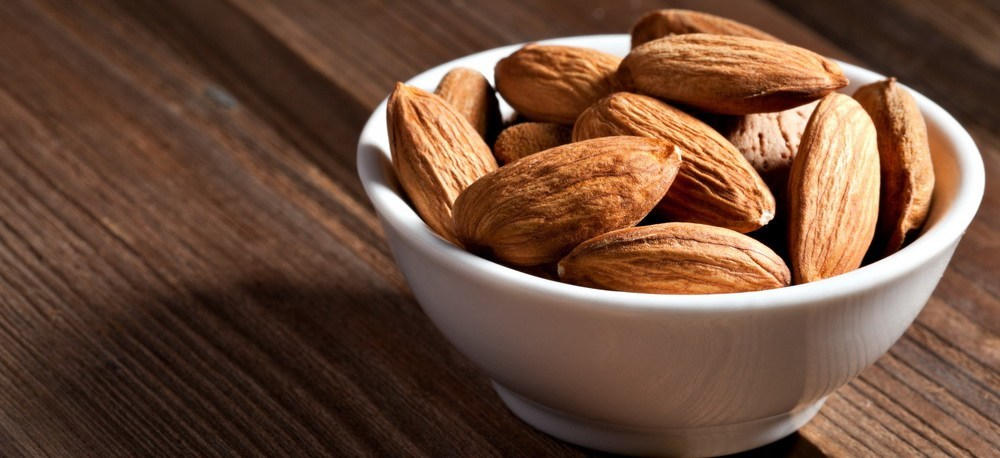 6 Reasons To Eat Raw Almonds For Ideal Weight
