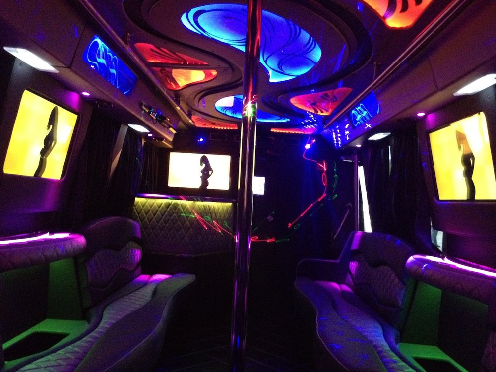 Top 5 Reasons That Determine The Cost Of A Good Limo Service In LA