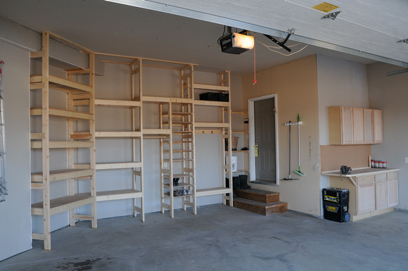 How Garage Shelving Is Beneficial For You?