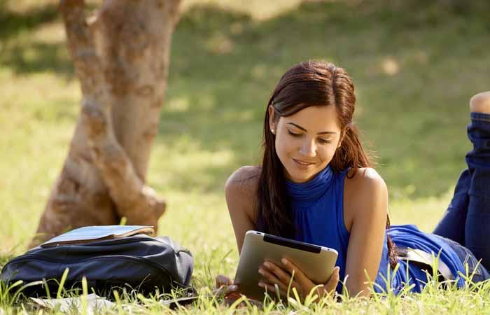 5 MAIN ADVANTAGES OF USING DIGITAL BOOKS