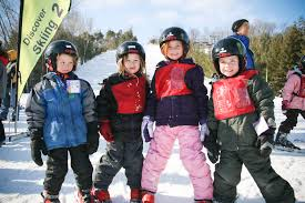 Keep Your Kids Safe and Comfortable With These Winter Skiing Tips