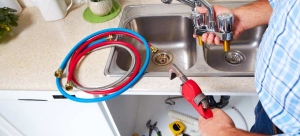 Change Your Kitchen Faucet With The Help Of A Trained Plumber