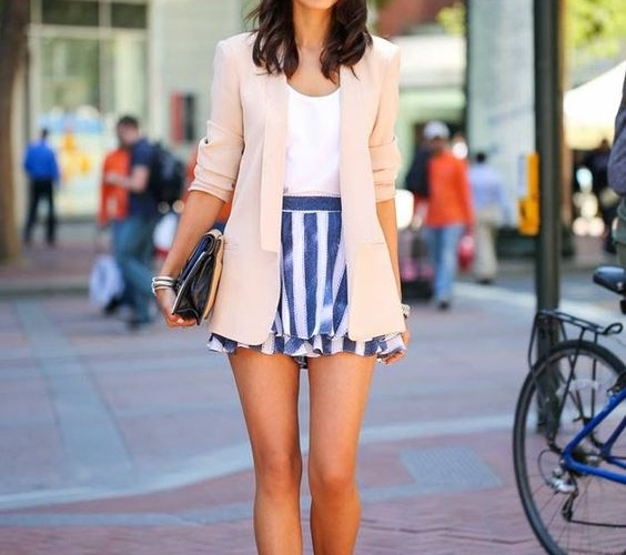 5 Ways To Flaunt A Skater Skirt