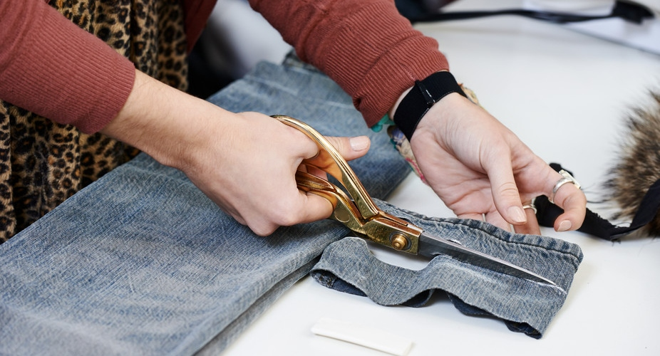 How Does Modern Technology Make Clothes Manufacturing Easy