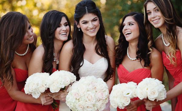 Few Tips & Tricks To Consider While Choosing Wedding Flowers
