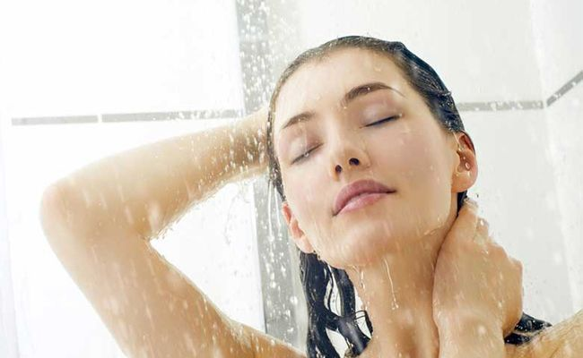 Using A Sulfate Free Shampoo And Conditioner For Proper Hair Care