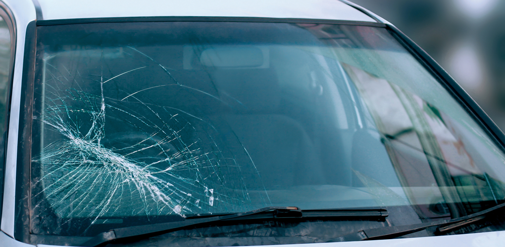 What To Do In Case of A Cracked Windshield