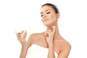Apply Face Moisturizer the Right Way
