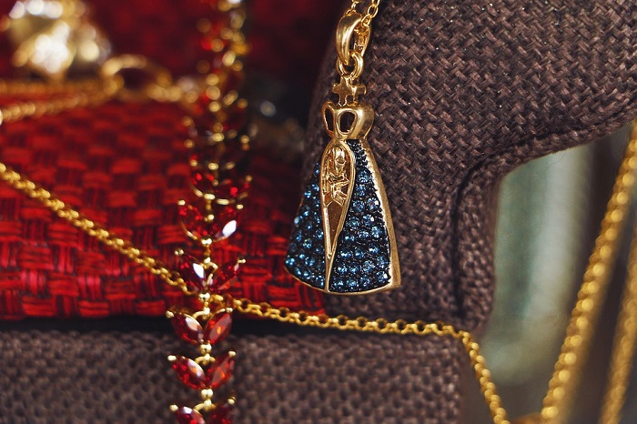 Wearing Fashion Jewelry Sets Can Be Your Best Fashion Decision