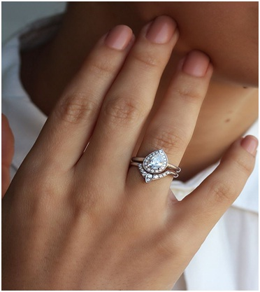 What To Consider While Buying from Engagement Ring Stores Toronto?