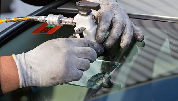 Tips To Avoid Non Professional Car Window Replacement Service